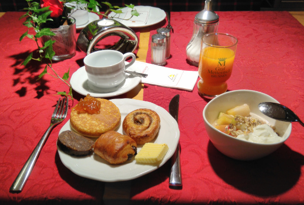Sandebeck Germanenhof - raňajky